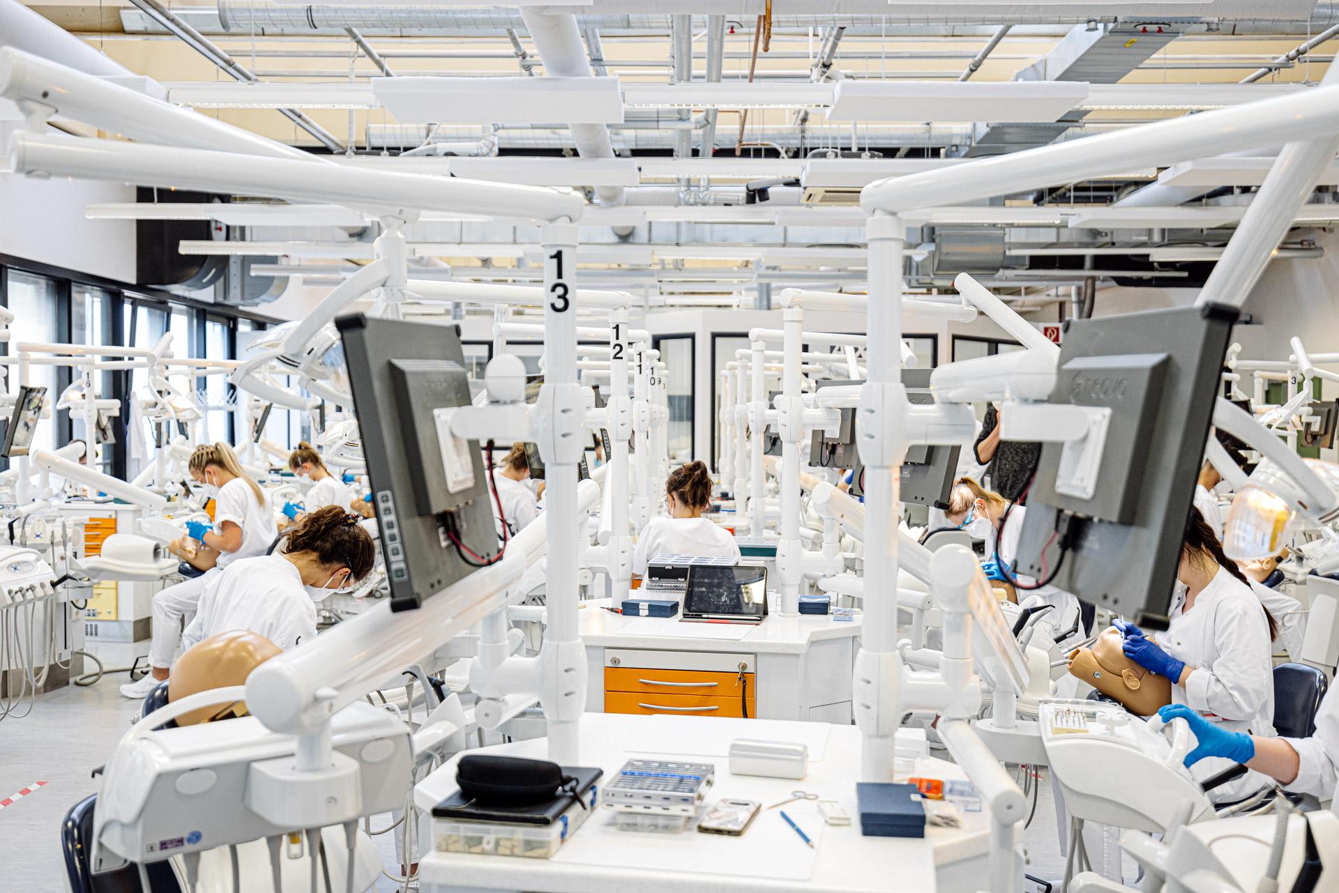 Aixtra Dental University Hospital RWTH Aachen